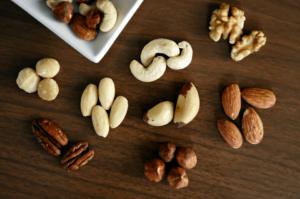 Verschillen tussen gebrande en ongebrande noten